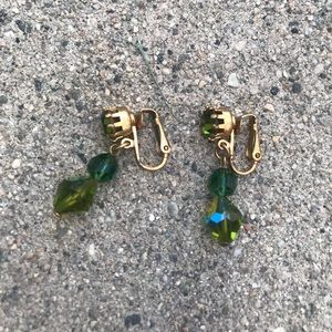 GREEN CRYSTAL VINTAGE CLIP ON EARRINGS